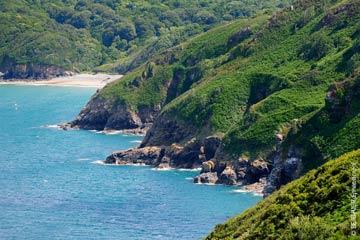 la côte du goëlo, entre ports, plages sauvages et stations balnéaires de Bretagne